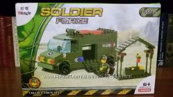 Конструктор, военная машина с фигурками, мелкие детали