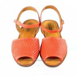 Golderr Индия легчайшие стильные сандалии из натуральной кожи 38р. 25см.