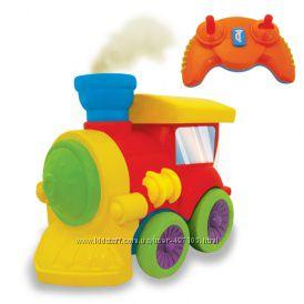 Развивающая игрушка на ИК управлении - ПАРОВОЗИК ЧУХ (на колесах, свет, звук, водяной пар)