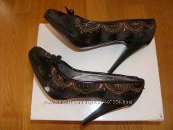 Туфли ELENKA в отличном состоянии