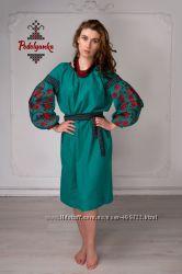 Лляне плаття в стилі бохо з вишивкою Дерево життя