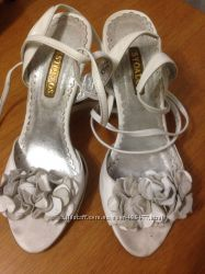 Белые кожаные босоножки Stoalos, 37 размер