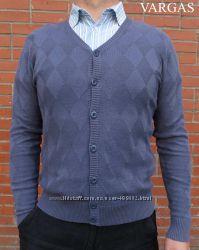 Теплые свитера, жилетки, кордиганы для модных стильных мужчин