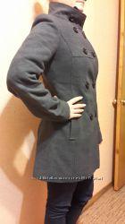 Пальто утепленное, размер М, можно зимой