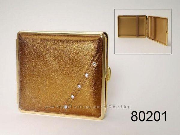 Куплю портсигар кожаный золотистый или бронзовый. Только как на фото
