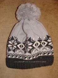 Молодежные зимние шапочки и комплект шарф-шапка