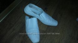 Разная Мужская обувь 40 р
