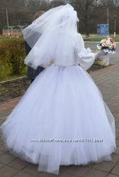 свадебное платье плюс подарок кольца на машину и бижутерия