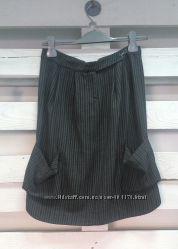 Очень стильного кроя юбка в отличном состоянии