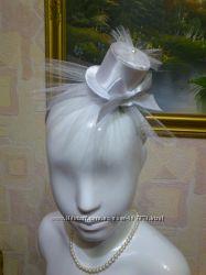 Нарядная белая шляпка