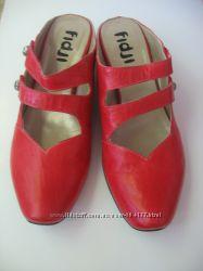 Кожаные туфли FIDJI сабо красные босоножки  красного на широкую ногу