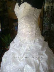 Свадебное платье с камнями Сваровски 46раз.