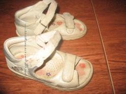 Босоножки ecco, текстильные туфельки clarcs, gymboree