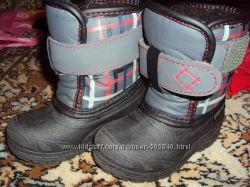 Ботинки сделано в Канаде  по стельки 13-13, 5см см.