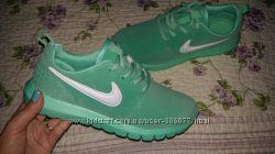 Ментоловые кроссовки копия Nike Roshe Run