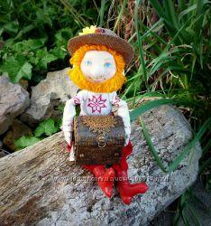 Домовой с сундучком - кукла ручной работы