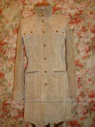 Очень красивый тренч-плащ-пальто gipsy из замши песочного цвета р. М