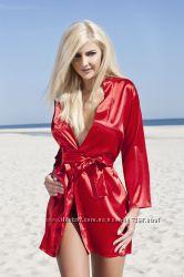 Атласный красный халат отличного качества. В глянцевой упаковке. Dkaren