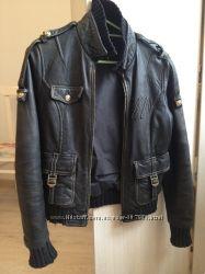 Кожанная куртка бу XS