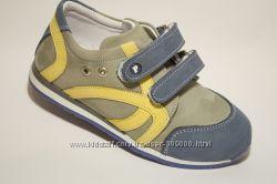 Кроссовки для маленьких модников