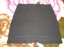 Юбки черные и водолазки белые