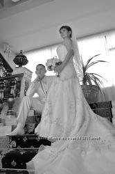 Продажа шикарного свадебного платья со шлейфом