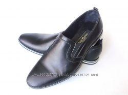 Туфли - классика, черно-белая подошва.