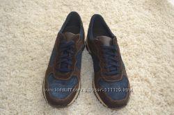 Нові італійські кросівки Bata