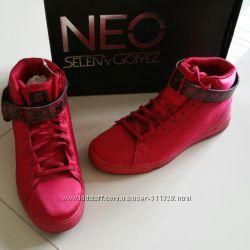 Последний размер 35-36 Кроссовки Adidas neo daily twist selena gomez red
