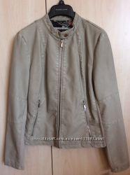 Фирменная кожаная куртка ,  размер S