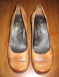 Туфли женские кожаные на танкетке