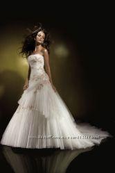 Свадебное платье Benjamin Roberts classic collection 911