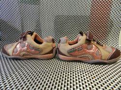Кроссовки Clarks детские туфли осенние 22 размер в идеальном состоянии