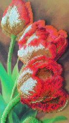 Тюльпаны вышиты бисером