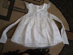 продам красиве дизайнерське плаття для дівчинки 6-9місяців легеньке