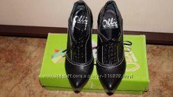 Кожанные ботильоны ботинки  фирмы Olli