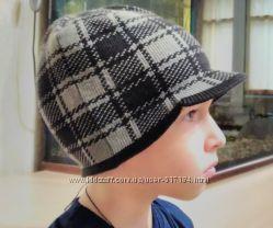 Вязаные шапочки Германия, на обьем 42-46 cм
