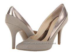 Женские кожаные туфли Calvin Klein Nicolette 8. 5us