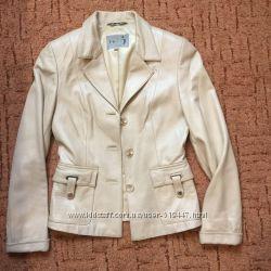 Женский кожаный пиджак куртка