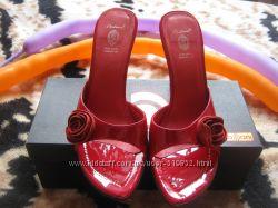 Красивые туфли и босоножки в подарок