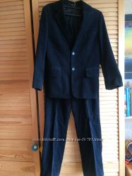 Классный школьный костюм. Вельвет, Германия. Рост 134- 140. дарю галстук