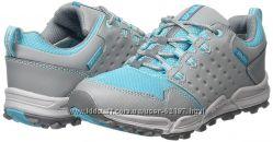 новые водонепроницаемые кожаные кроссовки Teva  35. 5 стелька  23, 3