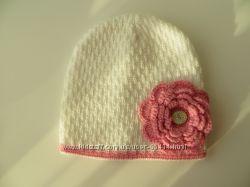 Много шапок для девочки