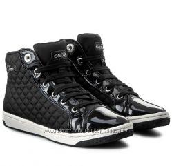 Супер цена новые    ботиночки  Geox в стиле Chanel р. 39