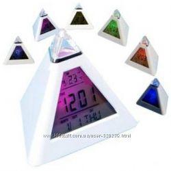 Часы-метеостанция Светящаяся пирамида 7 цветов