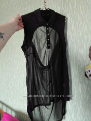 Блузка безрукавка с декольте на спине