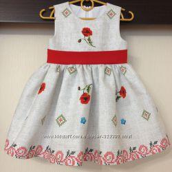 Сукня з принтом маки на сірому