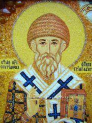 Святой Спиридон Тримифунтский, икона из янтаря с рукописным ликом