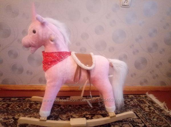 Красивая лошадка качалка