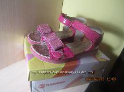елегантні сандалики Вашій доні